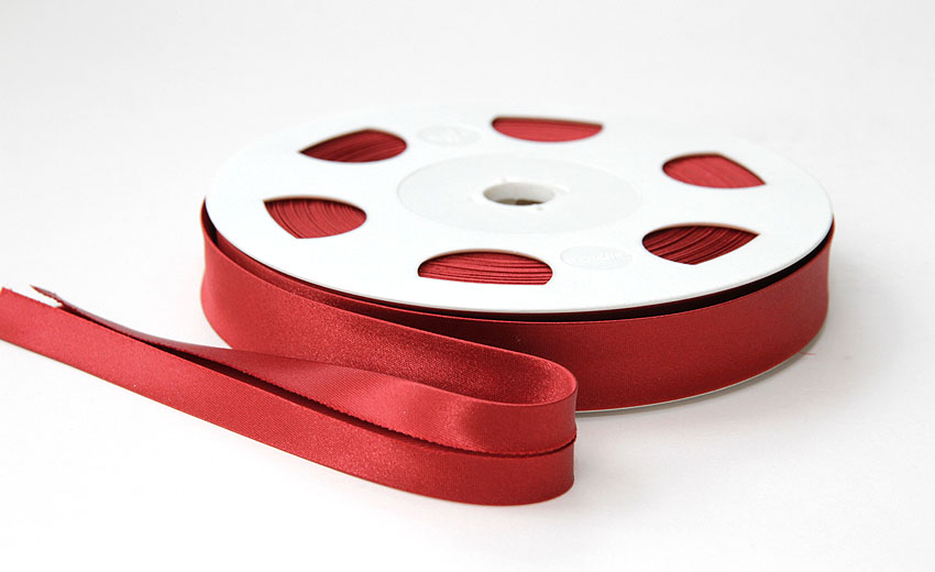 Satiinivinonauha lev. 20mm vanha punainen, tiili (FU25V), Ompelutarvikkeet, Satiininauhat